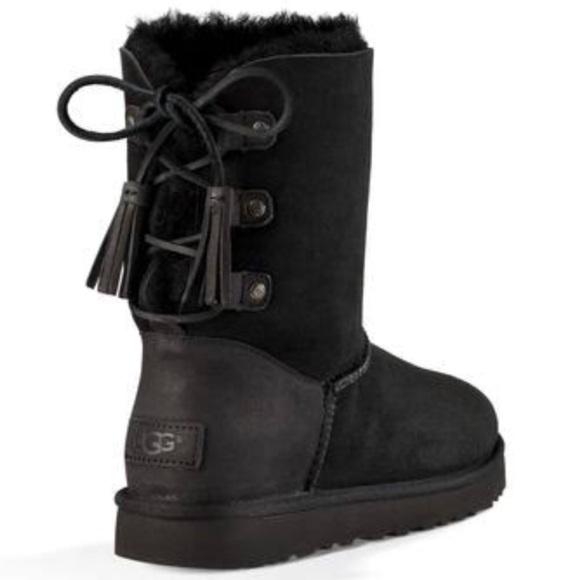 f08d79583e9 UGG UGGWomen's Twinface Sheepskin Classic Boots NWT